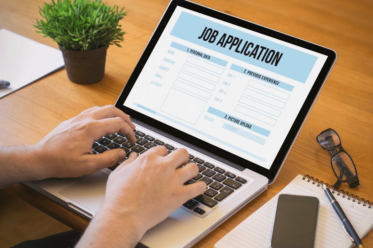 How to navigate the world of electronic job applications